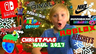 OPENING ROBLOX CELEBRITY SERIES TOYS AT SCHOOL!! & CHRISTMAS HAUL 2017 WITH SNOW!!
