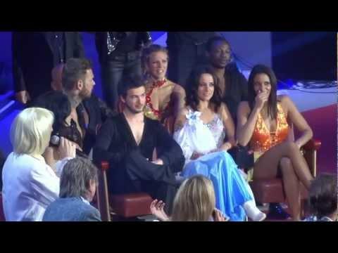 Les enfoirés 2013 - Extrait Danse avec Bernard