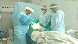 В Самаре врачи впервые провели операцию по протезированию тазобедренного сустава по новой методике(, 2016-10-31T06:28:21.000Z)