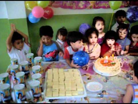 fiesta de colegio bebé