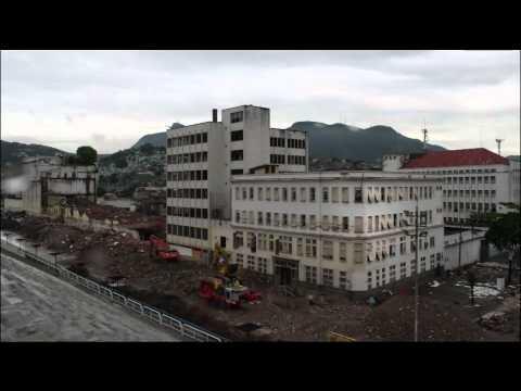 time-lapse---a-demolição-e-a-implosão-no-sambódromo