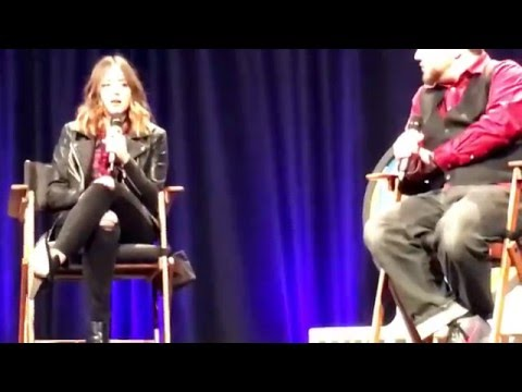 Chloe Bennet Wizard World Des Moines full panel ft. Austin Nichols (5/14/16)