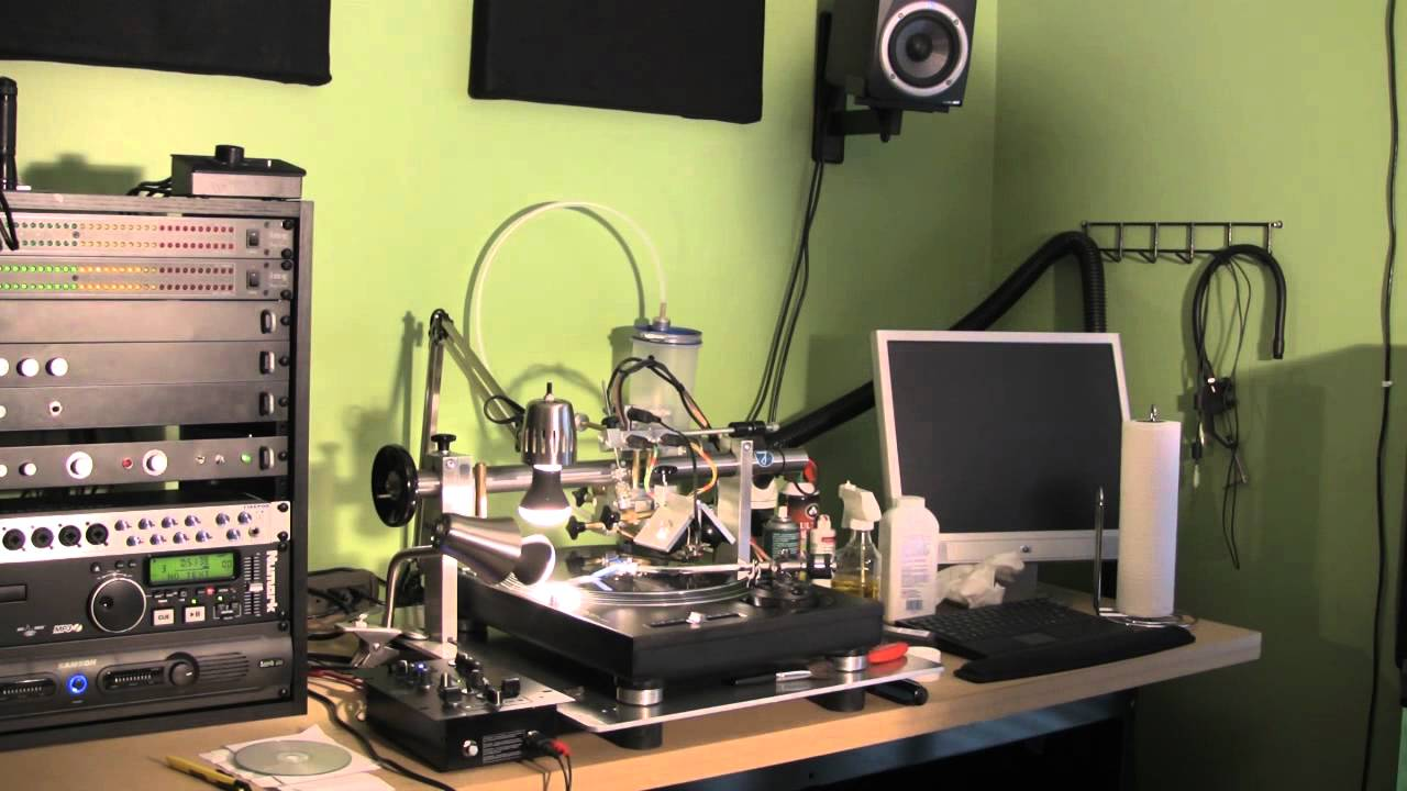 record cutting machine