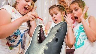 ПОЙМАЛИ АКУЛУ ! Дети на Рыбалке ! Яна и Крутой челлендж