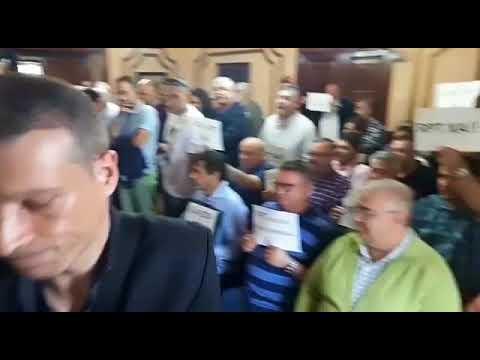 Cruce de protestas de trabajadores del Concello en el pleno de Lugo
