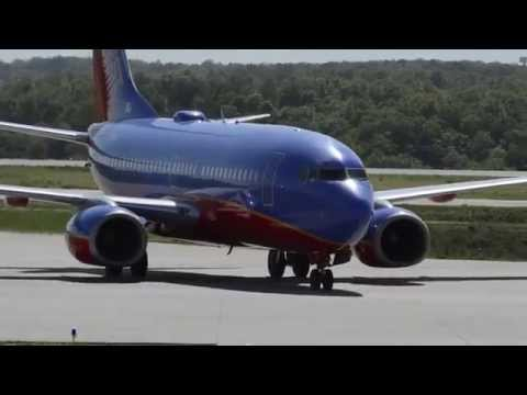 Southwest Airlines 737 Branson Airport