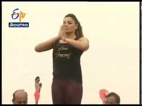 Bipasa Basu & Bipasa Basu Perform Yoga at Bangalore