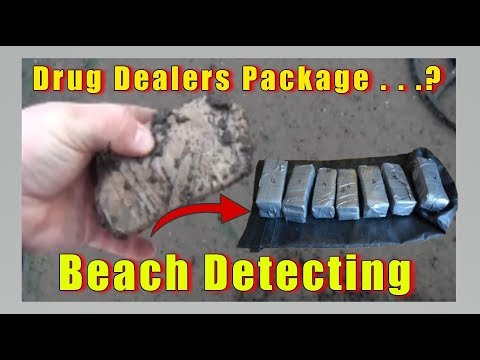 Unbelievable find Whats in the package...drugs?  Mudlarking & beach detecting uk 2018