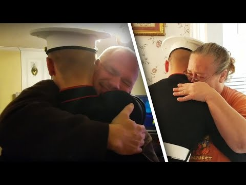 Lance Houston - Mom's Reaction When Marine Son Comes Home in Time for the Holidays