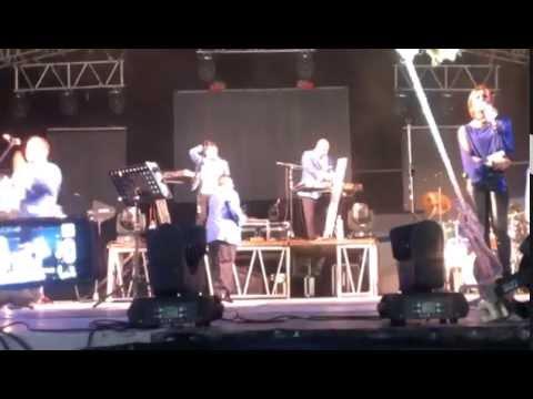 JUNIOR KLAN EN JUCHITAN OAX VELA LOPEZ 2014 (CANTA HUGO FERNANDEZ)