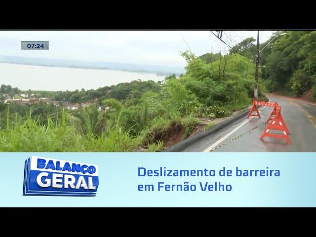Chuva forte: Deslizamento de barreira interdita, parcialmente, entrada de Fernão Velho