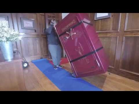 Moving S 900 Lb Gun Safe Browning Medallion With The Escalera Electric Dolly