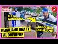 Ordiniamo una TV 4k e la Regaliamo al Corriere che ce la Consegna - [Sorprese ai