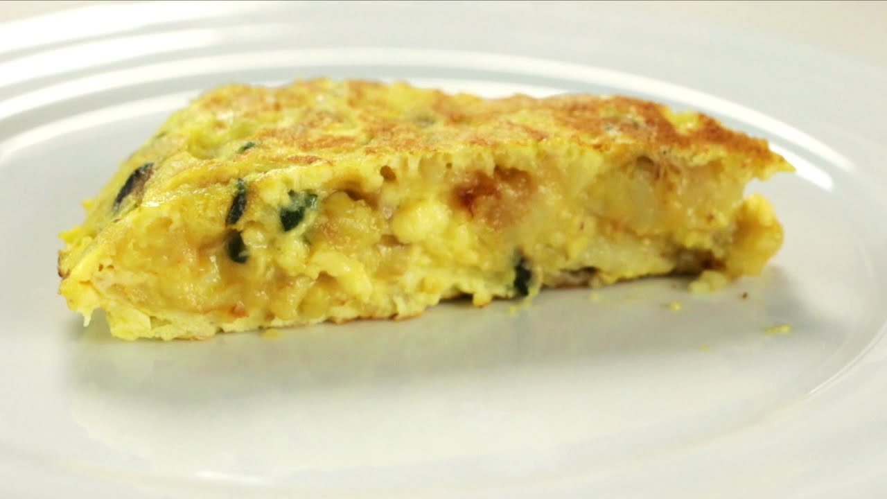 comment faire une omelette aux pommes de terre et courgettes youtube. Black Bedroom Furniture Sets. Home Design Ideas