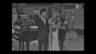 Dalida in Ciao Amore ciao di Luigi Tenco. Live con Orchestra