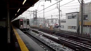 [雪の東上線]東武10030系リニューアル車  通過