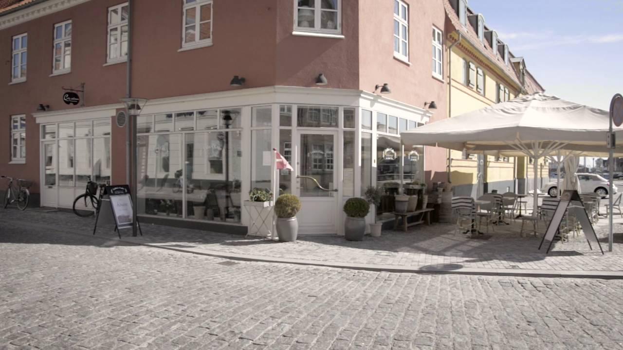 Et besøg hos Kjolehimlen i Esbjerg Læs mere nu!