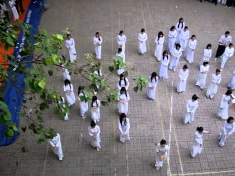 20/11/2011 [Flashmob at Nguyen Cong Tru High school] HPBD Miss Trang (Official ver.)-A19