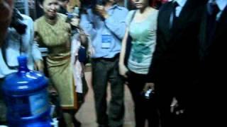 CLip Uyên Linh tìm bố mẹ sau khi đăng quang IDOL 2010 !!!!!!!!!! tap 1