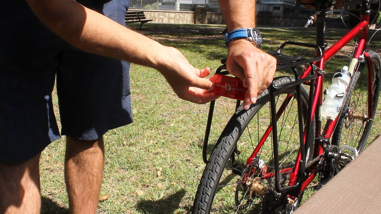 Cateye Reflex Auto Bicycle Rear Safety Light Tl Ld570 R On A Topeak Super Tourist Dx Tubular Rack You