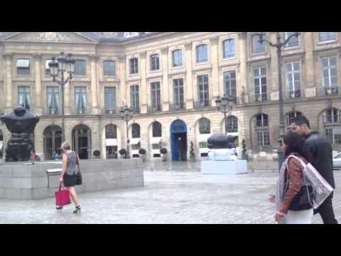Asian Statues Paris Court 2013