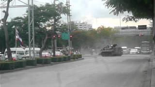 バンコクを走るタイ軍装甲車Thai militarys Armored car in Bangkok