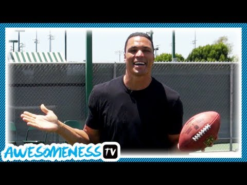 How To Catch a Football with NFL Pro Tony Gonzalez - How To Be Awesome Ep. 5