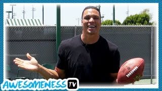 How To Catch a Fooтball with NFL Pro Tony Gonzalez - How To Be Awesome Ep. 5