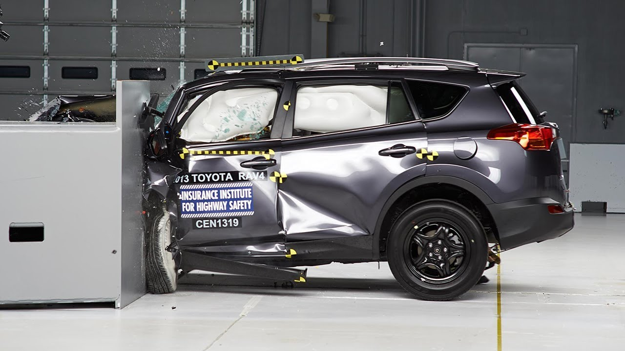 2013 toyota rav4 driver side small overlap iihs crash test youtube. Black Bedroom Furniture Sets. Home Design Ideas