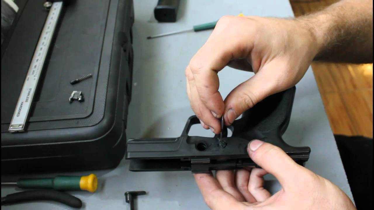 Complete disassemble Steyr M9-A1 / M9