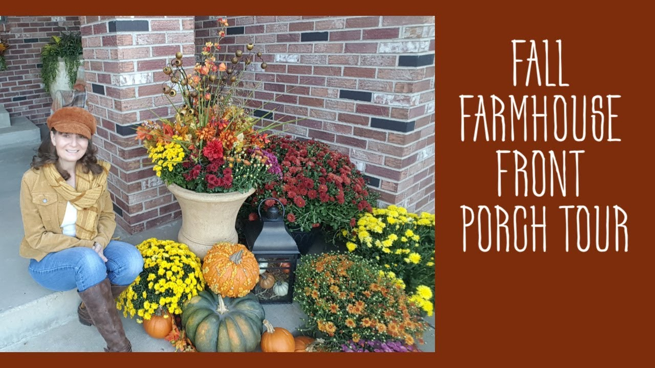 [VIDEO] - FALL FRONT PORCH TOUR - FALL FARMHOUSE FRONT PORCH - FALL OUTFIT IDEA 1