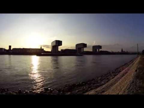 Sonnenuntergang über dem Rheinauhafen