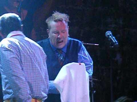 Public Image Limited y el momento de tensión con el corte a John Lydon en Chile
