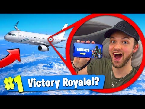 PLAYING Fortnite: Battle Royale... ON A PLANE! (30,000ft)