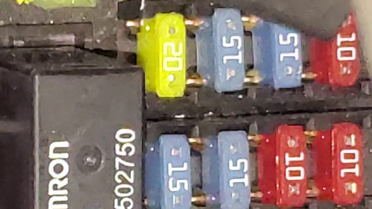 2013 Chevy Express Horn Not Working Horn Fuse And Horn Relay Location Youtube