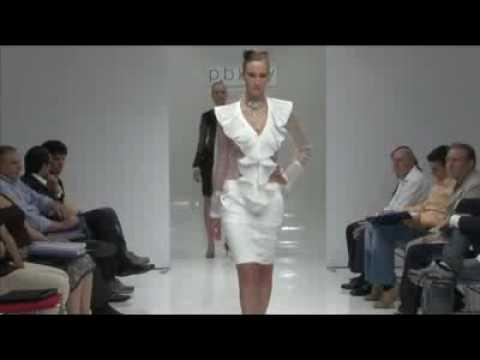f3f7287751d9 Collezione PBKEY - Sfilata di moda di abiti da cerimonia - YouTube