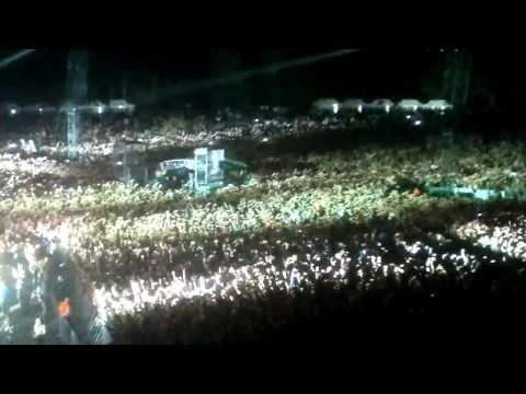Depeche Mode (Vilnius): 50 000 hands 2013 never let me down