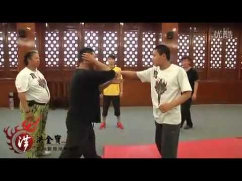 Sammo Hung (洪金寶) training and choreographing with his Stunt Team