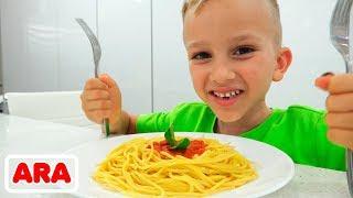 فلاد ونيكيتا يحبون الطعام الصحي واللذيذ! مجموعة من أشرطة الفيديو لجميع أفراد الأسرة