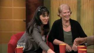 Flying Pieces Of Macaroni & Cheese! On The View From The Bay (kgo/abc)