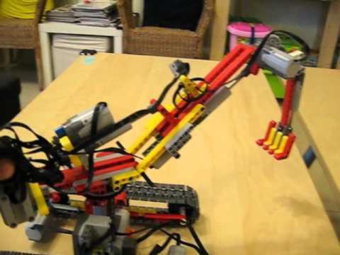 湯瑪斯創意積木工作坊--機械積木社團活動--挖土機 - YouTube