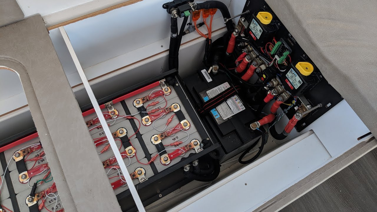 hight resolution of swapping from agm to lithium batteries on a sailboat