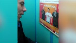 """""""Шеремет, спаси нас!"""" Парни застряли в лифте. Real video"""