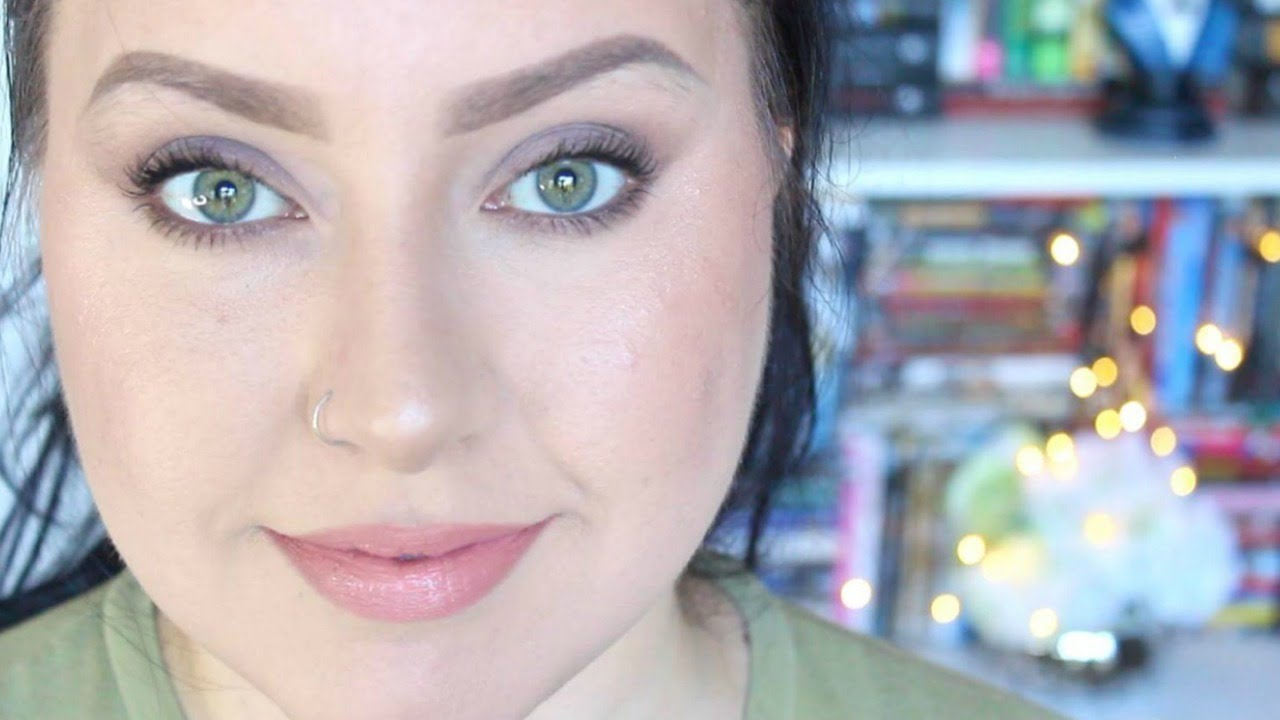 Natural Makeup For Green Eyes - YouTube