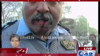 Sector Incharge traffic police beaten by bureaucrat's son