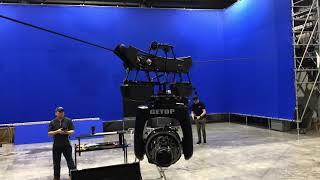 五軸穩定重型纜繩攝影系統在VFX特效棚操作中