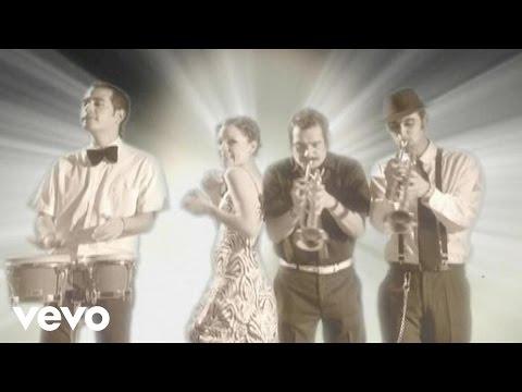 Natalia y La Forquetina - Piel Canela (Video)