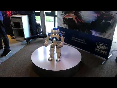 ROBOT NAO EN STAND DEL DIARIO EL PAIS EN MOVE MONTEVIDEO 2018