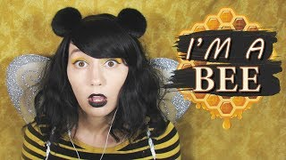 """ASMR   I'm a Bee! 🐝 Layered Raw Honeycomb Eating & """"Bzz"""" & Humming &  Finger Fluttering"""