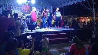 Download lagu 🔴Royal Reana - Goyang Nasi Padang